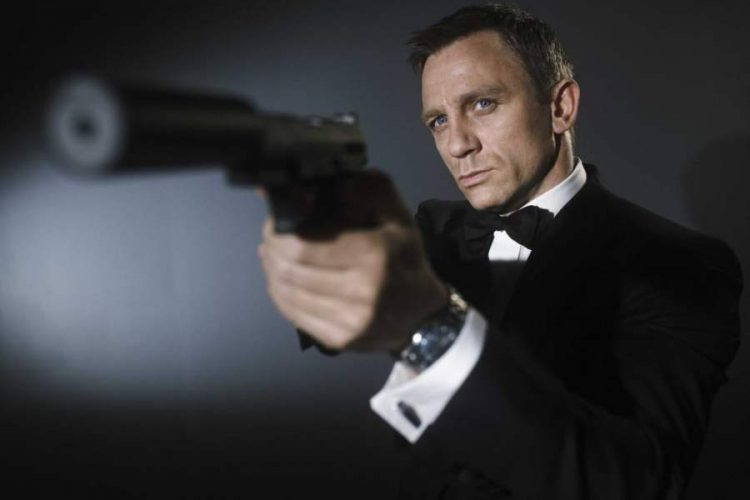 daniel-craig-james-bond-movie-casino-royale